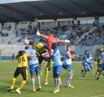 Fuerza Amarilla rescató un empate sobre el final en el Nueve de Mayo de Machala.