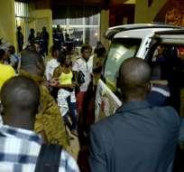 El ataque dejó una decena de heridos y dos asaltantes muertos. Foto: AFP