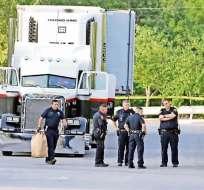 Se cree que pasaron al menos ocho horas encerrados en el vehículo antes de ser liberados.