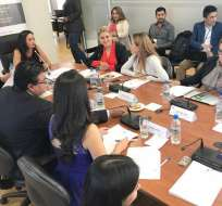 QUITO, Ecuador.- Los asambleístas de la Comisión de Justicia desestimaron la propuesta de no aplicar ley a funcionarios del servicio exterior. Foto: Asamblea Nacional