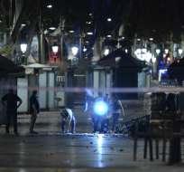Atentado en Las Ramblas dejó 13 muertos y en el segundo abatieron a 5 atacantes. Foto: AFP