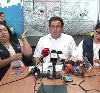 Gastón Gagliardo, coordinador zonal 5 del Ministerio de Educación, aseguró que los productos de la colación escolar, estaban en perfecto estado. Sin embargo, suspendió temporalmente la distribución de uno de los proveedores del lácteo en Naranjal. Foto: Captura Video.