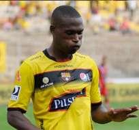 Tito Valencia sufrió una grave lesión en el partido que empató Barcelona con Guayaquil City.