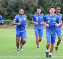 La nómina 'Tricolor' se completará el próximo lunes con la llegada de los futbolistas del exterior. Foto: Tomada de la cuenta Twitter @FEFecuador