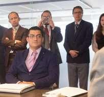 Marcelo Toscano recibió disculpas de la empresa Petroecuador luego de que fuera despedido intempestivamente en administración anterior, según informó la estatal. Foto: Petroecuador.