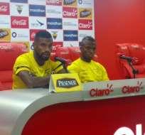 Gabriel Achilier y Enner Valencia atendieron a los medios de comunicación en Quito.