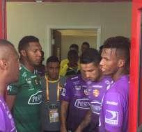 Gabriel Marques (segundo derecha) podría ser considerado para el juego ante Independiente del Valle.