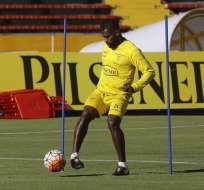 El defensor ecuatoriano regresa a la selección más de un año después. Foto: Archivo