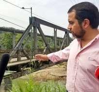 Ministro Paúl Granda durante recorrido en el Tena. Foto: Tomada de Twiiter @ObrasPublicasEc
