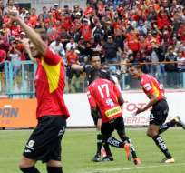 Deportivo Cuenca se impuso a Universidad Católica en el Alejandro Serrano Aguilar.