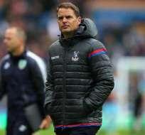 El holandés Frank De Boer dejó de ser técnico del Crystal Palace, que no ha sumado puntos en esta temporada de la Premier.