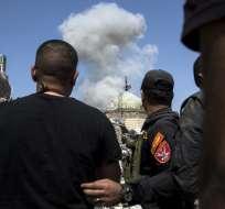 Uno de los ataques se perpetró con armas automáticas y el otro con un coche bomba. Foto: Referencial AFP