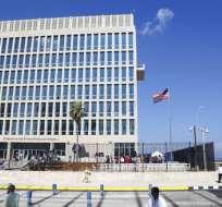 Fotografía de archivo del 14 de agosto de 2015 de la bandera de Estados Unidos ondeando en embajada norteamericana en La Habana, Cuba. Foto: AP