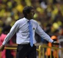 El entrenador uruguayo reconoció que en los últimos partidos han fallado en la definición. Foto: AFP