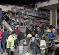La escuela donde murieron al menos una veintena de niños quedó en escombros.