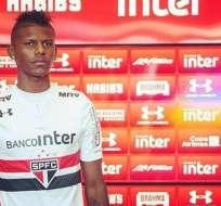 El ecuatoriano Robert Arboleda se declaró hincha barcelonista y estuvo viendo a su equipo en Vila Belmiro.