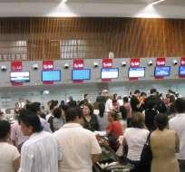 Ciudadanos esperando vuelos en aeropuerto de Guayaquil. Foto: Tomado de Ecuador Turístico.