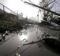 Cables y escombros tirados tras el paso del huracán María por Yabucoa, Puerto Rico, el martes 26 de septiembre de 2017. Foto: AP