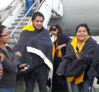 Cancillería recibió en Bogotá a los estudiantes ecuatorianos repatriados de Puerto Rico, tras el huracán María. Foto: Twitter Cancillería.