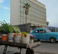 EE.UU. reducirá en más de la mitad el personal de su embajada en La Habana.