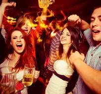 El viernes 6, sábado 7 y domingo 8 de octubre se podrá expender y consumir bebidas alcohólicas hasta las 03:00. Foto Referencial: Tomada de Timeout.com.