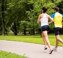 ¿Qué tanto puede ayudar a las personas practicar ejercicio físico una vez por semana?