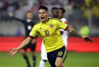 James Rodríguez convirtió el gol de Colombia ante Perú en Lima. Foto: AP
