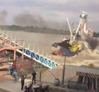 GUAYAQUIL, Ecuador.- El buque 'Patricia' protagonizó una colisión contra un tramo del puente, el 12 de octubre de 2017. Exjefe de Dirnea informó que se advirtió de la peligrosidad de la zona. Foto: Captura.