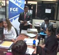 GUAYAQUIL, Ecuador.- A la docente se la acusa de permitir el escape de uno de los acusados de violación sexual en el colegio réplica Aguirre Abad. Foto: Captura Video.