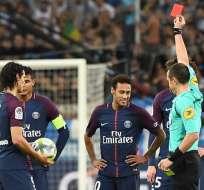 El brasileño Neymar vio su primera tarjeta roja con el PSG en la Ligue 1 francesa.