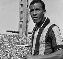 El ecuatoriano Alberto Spencer (+) ha sido reconocido como campeón mundial de clubes con Peñarol.