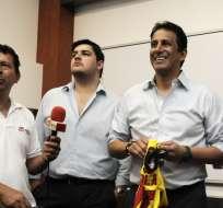 José Francisco Cevallos (d.) citó a un periodista histórico de Ecuador. Foto: API
