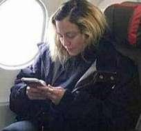 No todos los días se comparte un vuelo en clase turista con Madonna. Foto: Redes