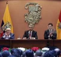 Presidente Moreno rechazó la reelección indefinida en sesión solemne de Cuenca. Foto: Presidencia Ec