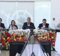 El mandatario y sus ministros desarrollan en Ambato un Gabinete ampliado. Foto: Secom