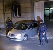 La presidenta del parlamento catalán, Carme Forcadell, sale en un auto del Tribunal Supremo en Madrid, el jueves 9 de noviembre de 2017. Foto: AP