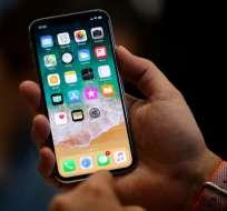 Cada vez son más las quejas de compradores del nuevo modelo de iPhone. Foto: AP