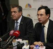 QUITO, Ecuador.-  Los miembros del CAL, Patricio Donoso y Luis Fernando Torres,