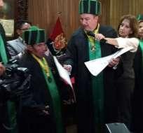 Premiado en varias ocasiones por su oficio, él es el único que mantiene la profesión de hielero. Foto: Cotopaxinoticias.com