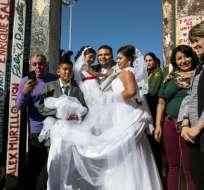 La mexicana y el estadounidense se casaron el sábado 18 de noviembre   foto: AFP
