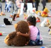 Miles de personas acudieron a la Plaza Bolívar-Bogotá                FOTO: EFE
