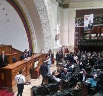 Parlamento aprobó informe apoyando negociaciones con Gobierno de Maduro. Foto: Twitter @AsambleaVE