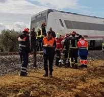 El descarrilamiento de un tren que cubría la ruta Málaga-Sevilla dejó al menos 27 heridos. Foto:Abcdesevilla