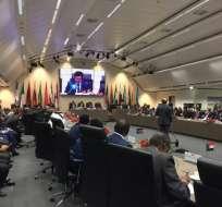 Ministros de petróleo de 14 países se reunieron en Viena para fijar cuotas de reducción de crudo. Foto: @CaciqueMcy