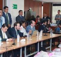 Durante la mañana acudió el expresidente Correa a mostrar respaldo a vicepresidente. Foto: Twitter Fiscalía