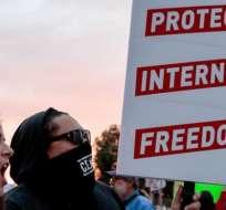 Los defensores de la neutralidad de internet argumentan que acabar con la normativa comprometería una red abierta y libre.