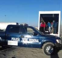 29 inmigrantes hondureños fueron rescatados de un contenedor.   Foto:Losangelestimes