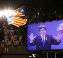 BARCELONA, España.- Los comicios transcurrieron sin incidentes pese a la tensión acumulada en dos meses de vértigo. Foto: AP.