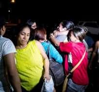 CARACAS, Venezuela.- Los políticos liberados se reencuentran con sus familiares. Foto: AFP.
