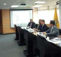 Minutos antes del anuncio, Ledesma expuso la propuesta del alza salarial. Foto: API